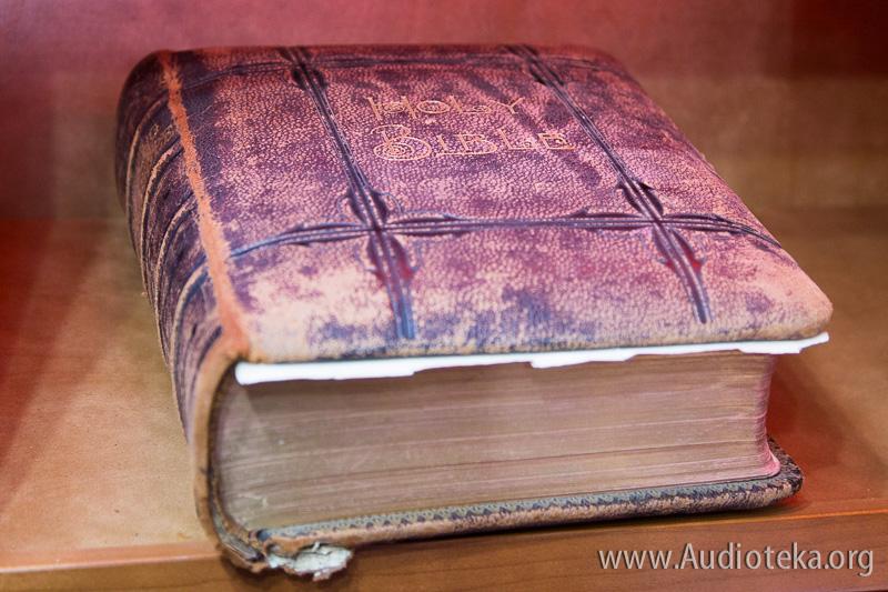 Bible-Truck-24